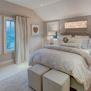 Inspiration for a mid-sized shabby-chic style guest light wood floor bedroom remodel in New York with beige walls