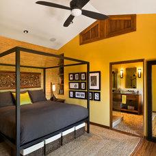 Asian Bedroom by AB design studio inc.