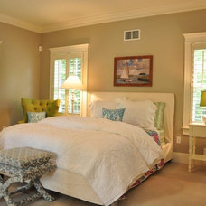 Traditional Bedroom by Spaces by LLG