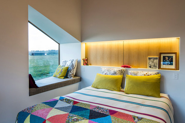 Contemporary Bedroom by Objects Ltd
