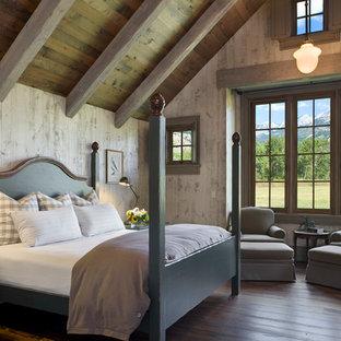 Idée de décoration pour une chambre champêtre avec un sol en bois brun.