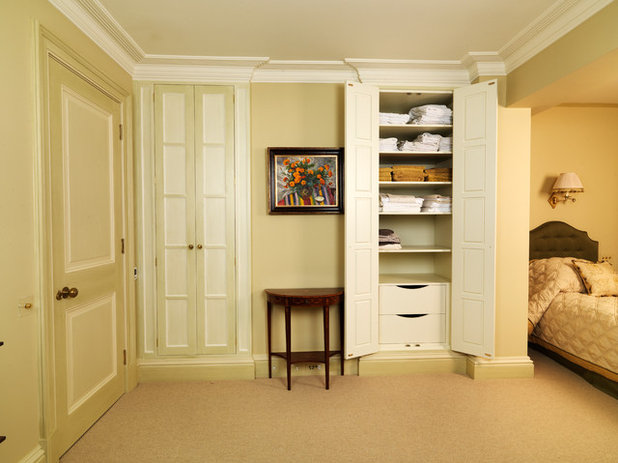 Traditional Bedroom by Tim Wood Limited