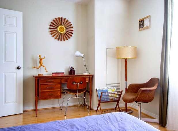 Midcentury Bedroom by Andrew Snow Photography