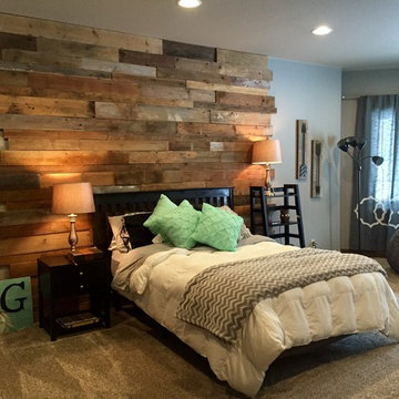 Staggered Barnwood Wall