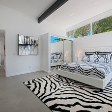 Midcentury Bedroom by House & Homes Palm Springs Home Staging