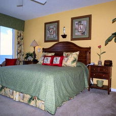 Tropical Bedroom by Destin Golf & Beach - FL Vacation Home Rentals