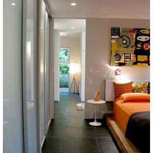Chambre moderne avec un sol en ardoise : Photos et idées ...