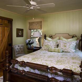 Diseño de dormitorio rural con paredes verdes