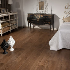 Bedroom by Western Coswick Hardwood Floors