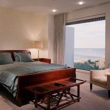 Contemporary Bedroom by christopher jeffrey architects pllc