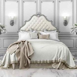 Aménagement d'une grande chambre parentale victorienne avec aucune cheminée, un mur gris, un sol en marbre et un sol blanc.