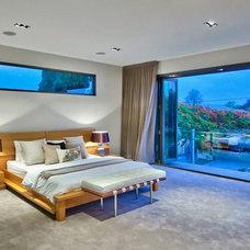 Modern Bedroom by Bandhini Homewear Design