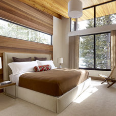 Modern Bedroom by John Maniscalco Architecture