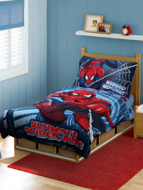 Superheroes Spiderman Bedding and Room Decorations