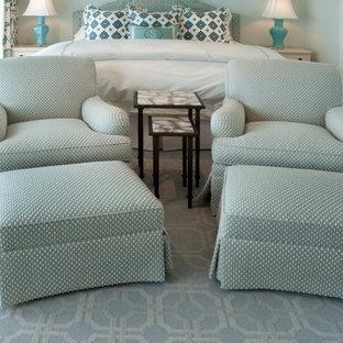 Modelo de dormitorio marinero con paredes azules, moqueta y suelo azul