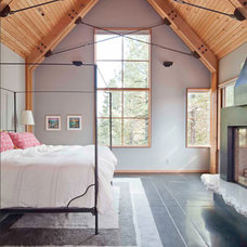 Rustic Bedroom by WA design