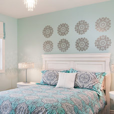 Eclectic Bedroom by Unique Spaces