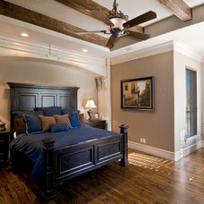 Traditional Bedroom by Tatum Building Corp