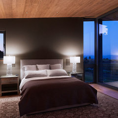 modern bedroom by Taylor Lombardo Architects