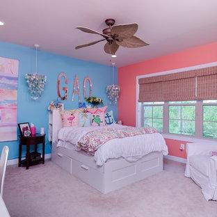 Diseño de habitación de invitados costera, de tamaño medio, sin chimenea, con paredes azules y moqueta