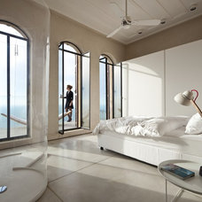 Modern Bedroom by Pitsou Kedem Architect