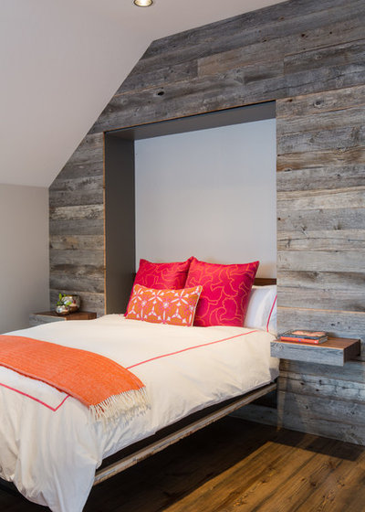 Rustic Bedroom by dwelling