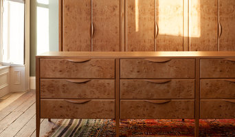 Textured Oak Cabinetry