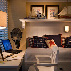 Beach Style Bedroom by Canthus LLC