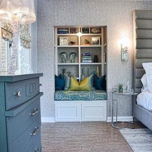 Mittelgroßes Klassisches Gästezimmer ohne Kamin mit blauer Wandfarbe und Korkboden in Los Angeles