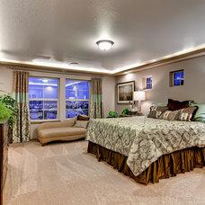 Tropical Bedroom by Oakwood Homes