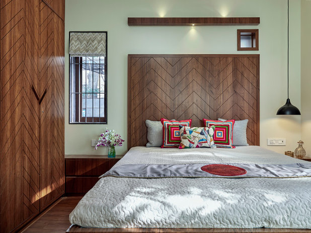 Contemporary Bedroom by Alok Kothari Architects
