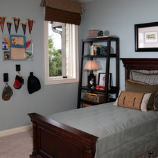 Traditional Bedroom by Carstensen Homes