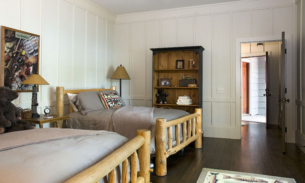 Rustic Bedroom by Summerour Architects