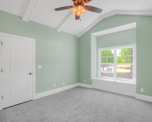 Best seafoam green bedroom design ideas remodel pictures for Seafoam green room decor