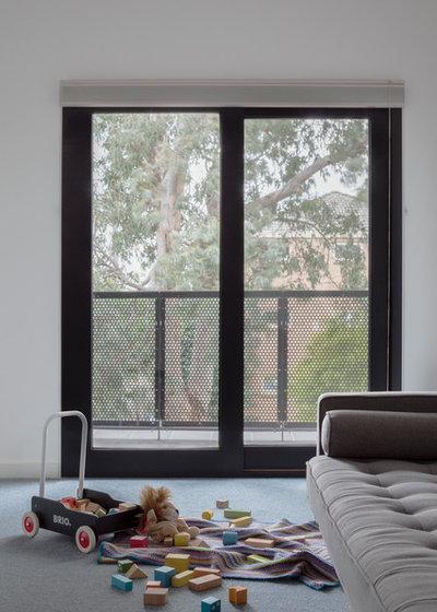 Contemporary Bedroom by Poly Studio