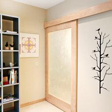 Modern Bedroom by Elliot Architects, LLC
