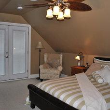 Traditional Bedroom by Daniel Thomas Construction Ltd.