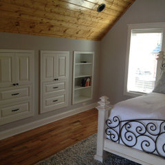 traditional bedroom by Total Quality Home Builders, Inc.