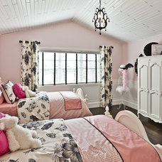 Traditional Bedroom by Marcson Homes Ltd.