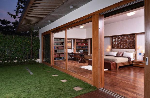 Craftsman Bedroom by Shibanee & Kamal Architects