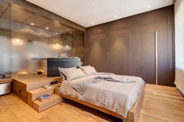 Contemporary Bedroom by Andrea Bella Concept