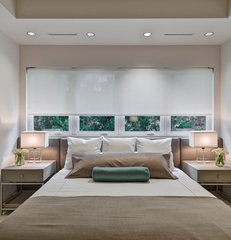 modern bedroom by Phil Kean Designs