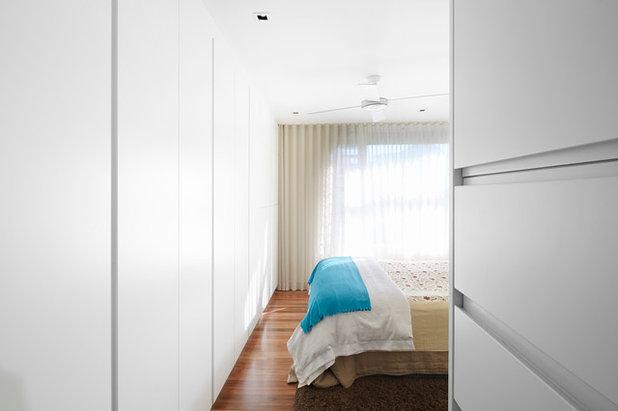 Contemporary Bedroom by elaine richardson architect