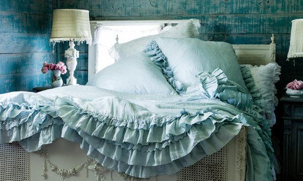 Стиль шебби-шик Спальня by Rachel Ashwell Shabby Chic Couture