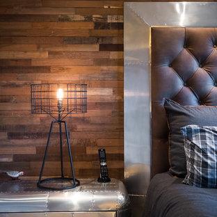 Modelo de habitación de invitados urbana, grande, con paredes beige