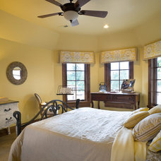 Traditional Bedroom by Alan Mascord Design Associates Inc