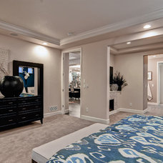 Contemporary Bedroom by Oakwood Homes