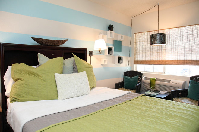 Contemporary Bedroom The Upward Bound House by Cory Pernicano