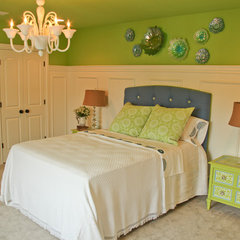 eclectic bedroom by Home Staging Specialists
