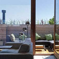 Modern Bedroom by Wanda Ely Architect Inc.